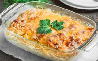 Минтай, запеченный с овощами и сыром