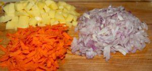 Лук, морковь, картошка.