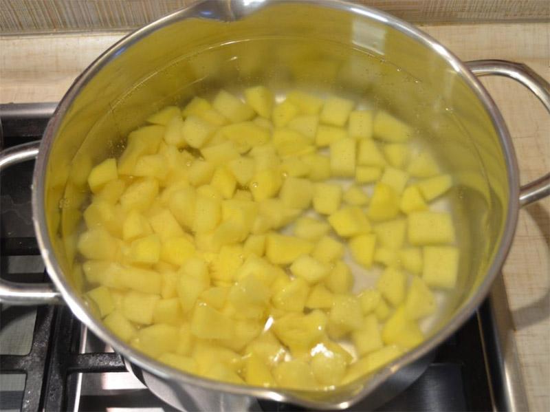 Варка картошки для борща